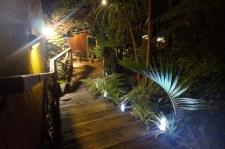 Anchor Lodge Backpackers Coromandel pilsētiņas centrā - viens no skaistākajiem hosteļiem, kuros būts.