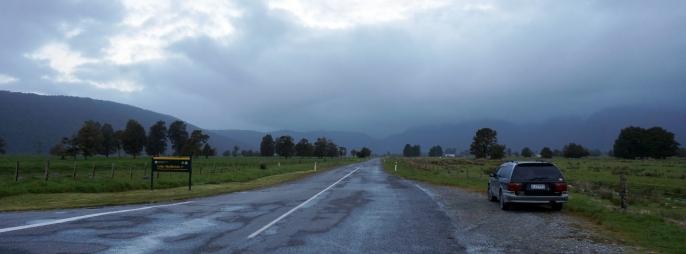 Cook Flat Road. Gaidām uz Kuku...